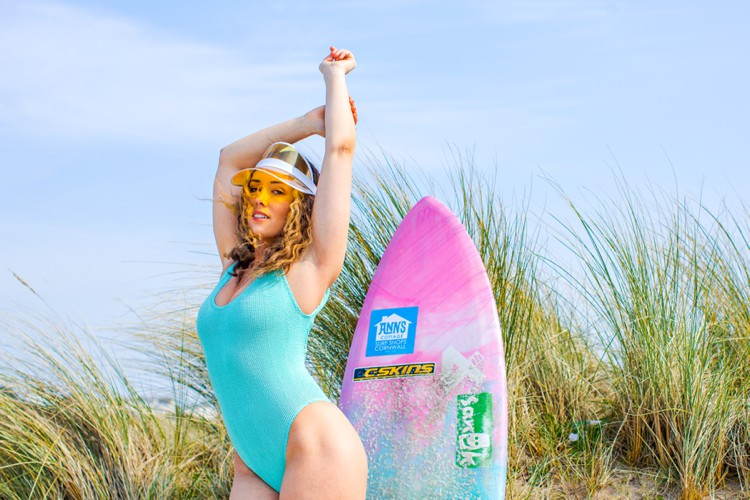 Cornwall surf lifestyle photography with Corinne Evans by Marianne Taylor.