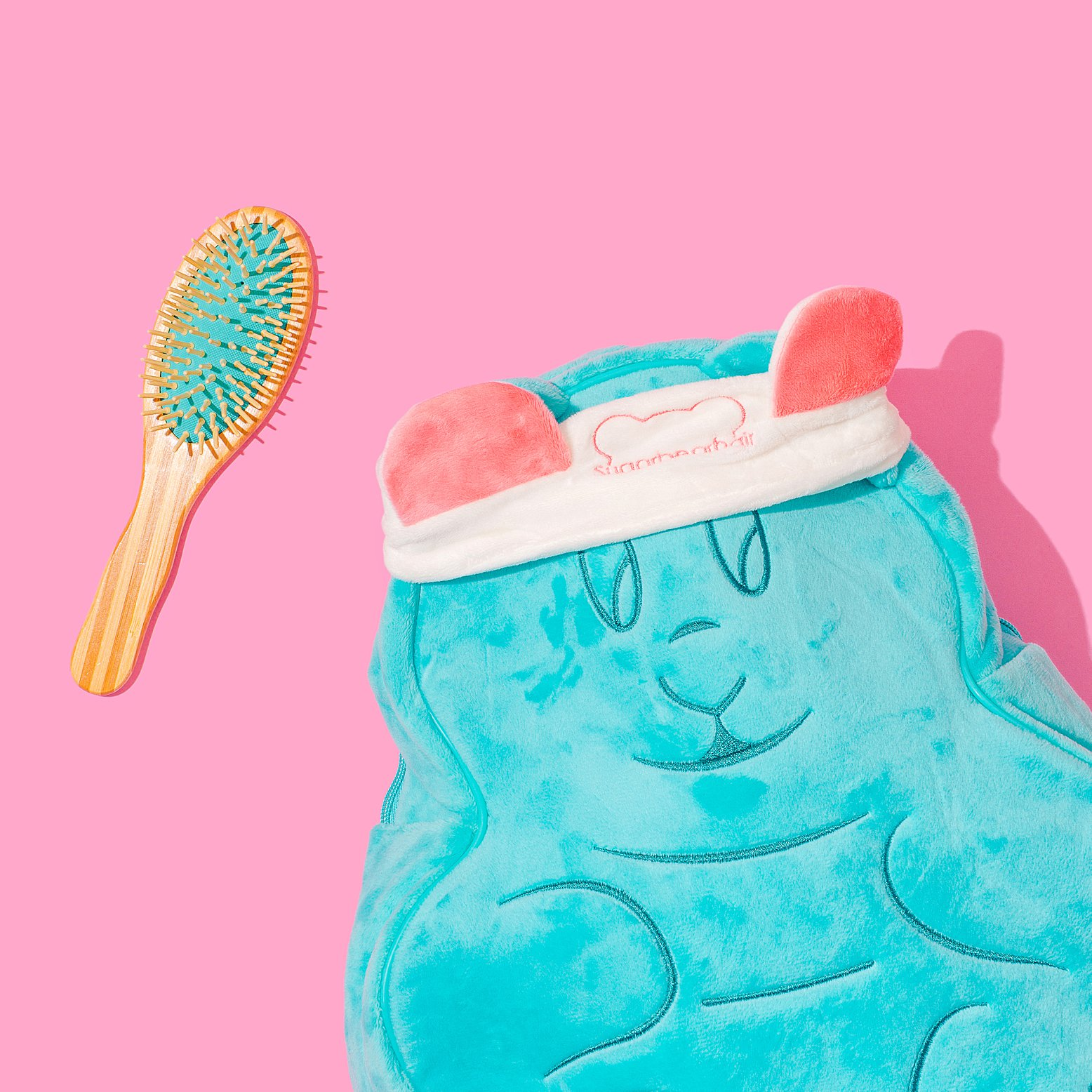 Colourful content creation for SugarBearHair. Product & lifestyle photography by Marianne Taylor.